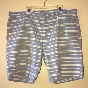 Express photographer shorts 9""